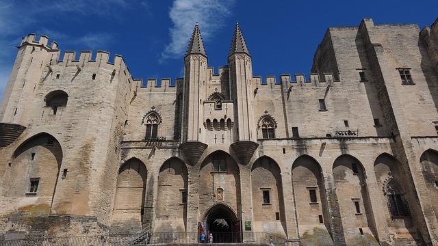 Avignon best city south of france
